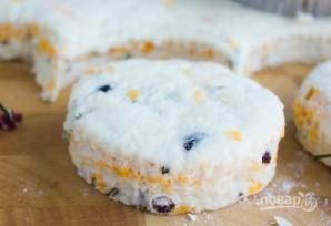Сырное печенье с клюквой и розмарином - фото шаг 5