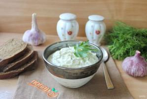 Творожный соус с чесноком и зеленью - фото шаг 6