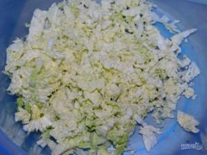 Овощной салат с пекинской капустой и колбасой - фото шаг 1