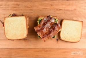 Сэндвичи с яйцом и беконом - фото шаг 5