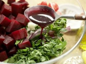 Салат с куриным филе и свеклой - фото шаг 9