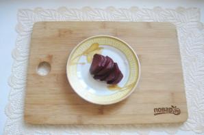 Маринованный чеснок со свеклой - фото шаг 5