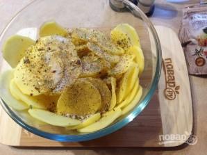 Розы из картофеля с беконом - фото шаг 3
