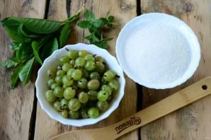 Варенье из крыжовника с листьями вишни - фото шаг 1