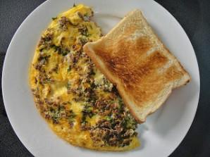 Омлет с мясным фаршем - фото шаг 6