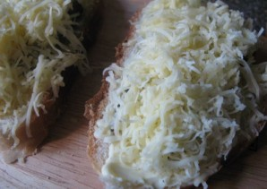 Вкусные бутерброды со шпротами - фото шаг 4