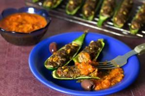 Кабачки-лодочки, запеченные в духовке с овощами - фото шаг 3