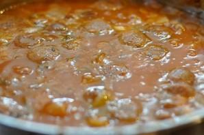 Солянка с сосиской в мультиварке - фото шаг 6