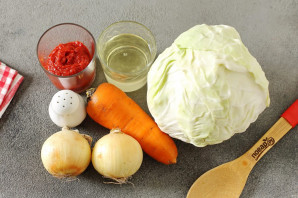 Капуста с томатной пастой на зиму - фото шаг 1