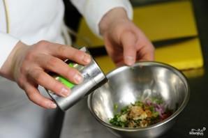 Салат из помидоров с луком - фото шаг 8