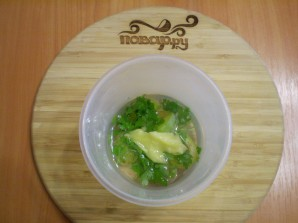 Зеленый коктейль со сливой - фото шаг 3