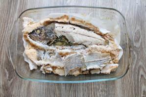 Окунь в соли в духовке - фото шаг 10