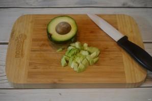 Яичница с беконом и авокадо - фото шаг 3