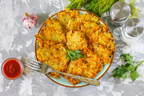 Картофельные драники с морковью - фото шаг 5