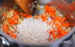 Перловый суп с солеными огурцами - фото шаг 3
