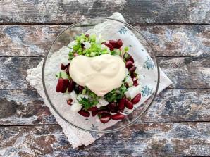 Салат с красной консервированной фасолью - фото шаг 7