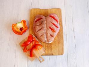 Куриная грудка на кости в духовке - фото шаг 4