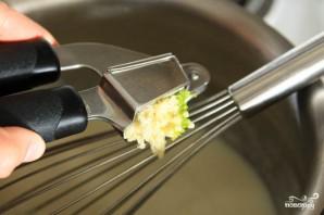 Белый чесночный соус - фото шаг 2