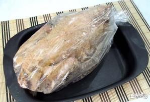 Петух, запеченный в духовке в рукаве - фото шаг 7