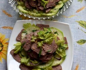 Салат из языка с овощами и острой заправкой - фото шаг 4