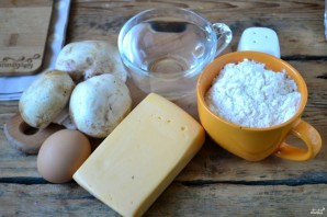 Чебуреки с грибами и сыром - фото шаг 1