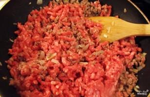 Перец, фаршированный мясом и рисом, в духовке - фото шаг 1