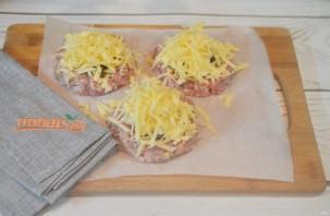 Мясные ватрушки с грибами и сыром - фото шаг 9