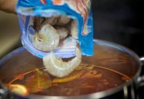 Отварные сырые креветки - фото шаг 5