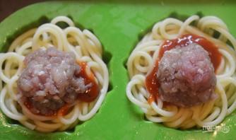 Кексики из спагетти с фрикадельками - фото шаг 4