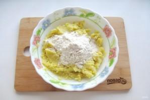 Жареные картофельные пирожки с квашеной капустой - фото шаг 9