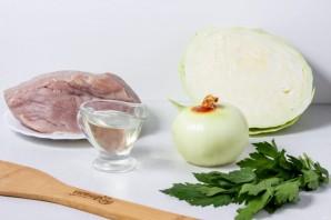 Капуста жареная с мясом на сковороде - фото шаг 1