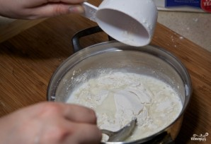 Заварное тесто для чебуреков с водкой - фото шаг 2