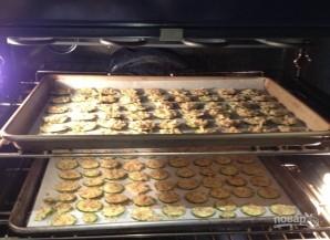 Запеченные цуккини с сырной панировкой - фото шаг 6