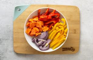 Карамелизированные овощи в сковороде - фото шаг 2