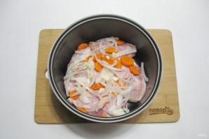 Куриные бедра с картофелем в мультиварке - фото шаг 5