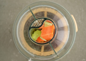 Сок из сельдерея и моркови - фото шаг 3