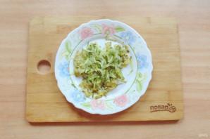 Салат с куриной печенью и маринованными огурцами - фото шаг 6
