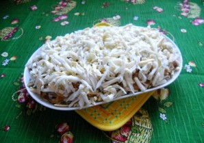 Салат с копченой горбушей - фото шаг 5