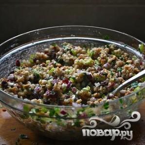 Салат с фарро, клюквой и сельдереем - фото шаг 5