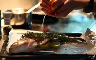 Рыба с тимьяном и луком - фото шаг 7