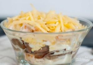 Салат с грибами и курицей слоями - фото шаг 6