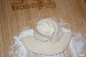 Пирожки с творогом из дрожжевого теста - фото шаг 7