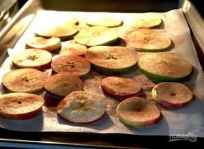 Чипсы из яблок - фото шаг 2