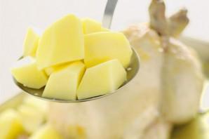 Курица с картофелем в духовке - фото шаг 3