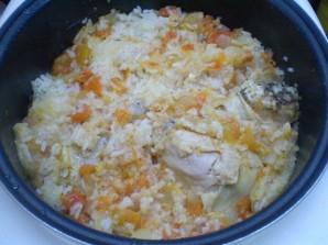 Курица с рисом и овощами в мультиварке - фото шаг 7