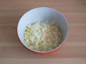 """Новогодние тарталетки """"Мышки"""" с сырной начинкой - фото шаг 2"""