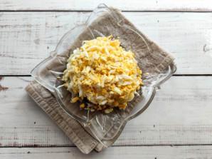 Слоеный салат с яблоками и сыром - фото шаг 5