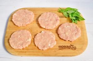 Бутерброды с базиликом - фото шаг 2