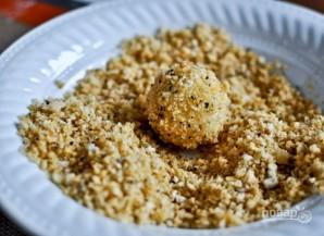 Шарики из пюре в сырной панировке - фото шаг 4