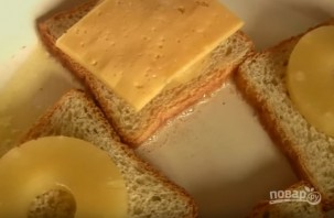 Бутерброды с сыром и ананасами - фото шаг 4